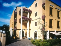 Hotel Santoni in Torbole Sul Garda