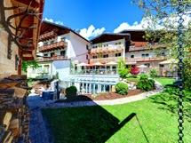 Hunde Willkommen im Hotel Riederhof in Ried im Tiroler Oberland Region