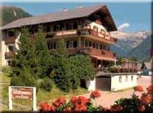 hundefreundliches Hotel Alpenhotel Penserhof - Café Restaurant Konditorei in PENS im Sarntal Region