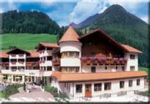 Hunderfreundlich Wellness-Hotel Linderhof & Alpenschlössl in Ahrntal / Valle Aurina - Steinhaus in Pustertal