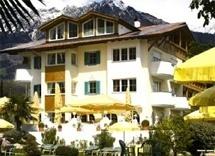 Hunderfreundlich Landhaus Hotel Kristall in Marling bei Meran in Marling bei Meran